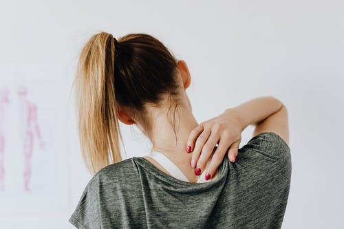 Picking the Best Shoes for Back Pain| 6 Reasons of Back Pain
